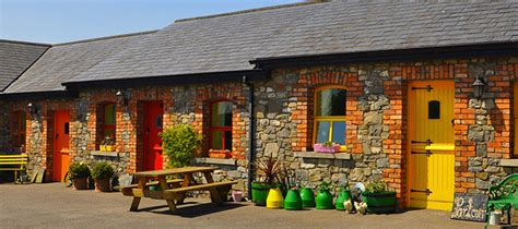 Small Cottages hotel r best hotel deal site