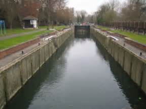 river thames map locks river thames romney lock 169 nigel cox geograph britain