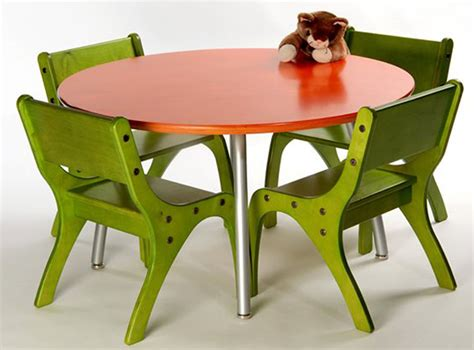 Table And Chairs For Toddlers by Furniture Astonishing Chairs For Toddlers Chairs