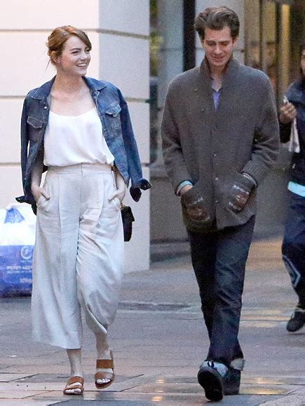 emma stone relationship emma stone and andrew garfield spotted in london but
