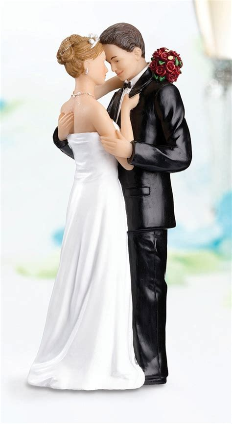 Wedding Cake Figures With Style by Fashion Fashion News Style Tips