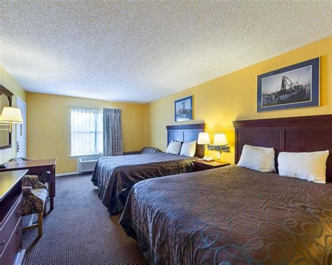 econo lodge inn suites fulton rockport fulton in fulton tx room deals photos reviews