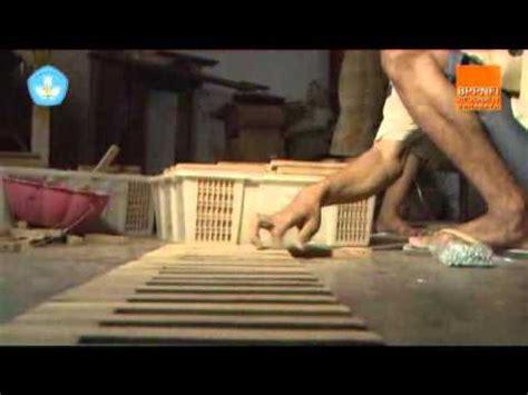 pembuatan kreasi lidi kelapa doovi