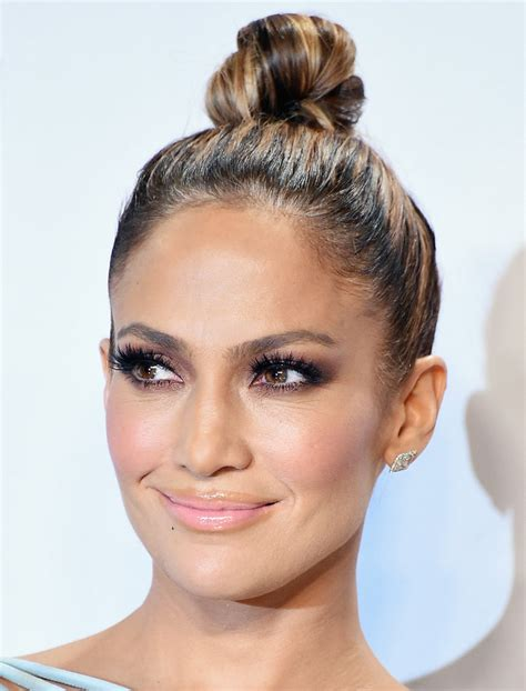 what lipgloss does jennifer lopez wear on american idol exactly how to get jennifer lopez s glowing makeup from