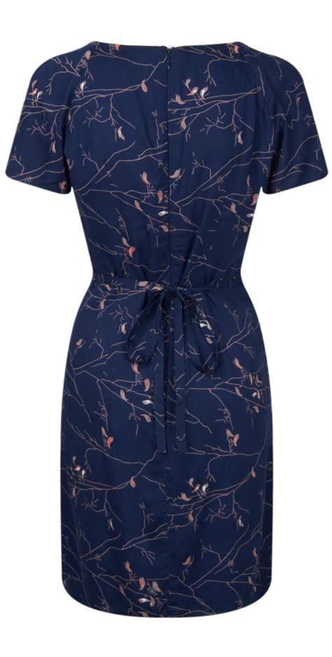 J 40420 Dress Bird 1 great plains song birds dress in admiral