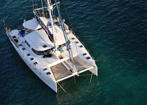 catamaran qui vole catamaran vol 233 deux sud africains fortement soup 231 onn 233 s