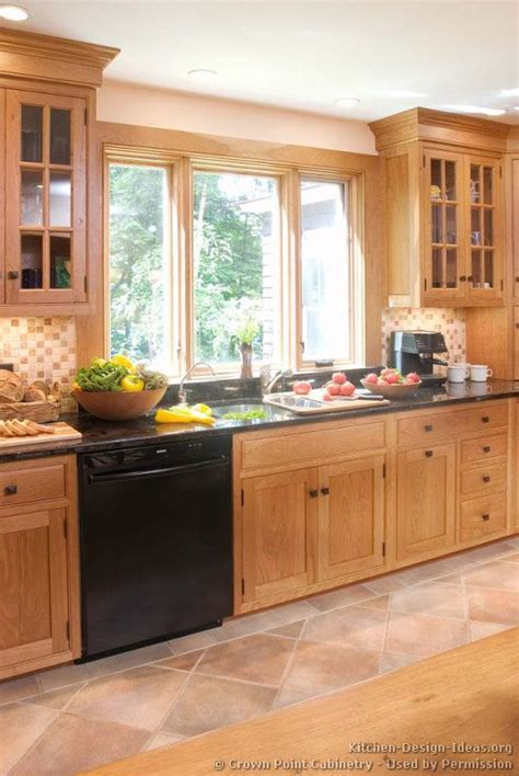 wood used for kitchen cabinets 25 best ideas about light wood cabinets on pinterest