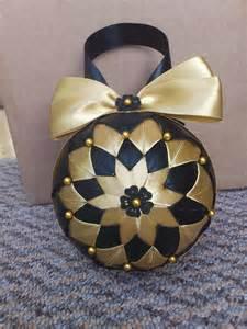 Handmade Baubles - hcd004 baubles black gold handmade