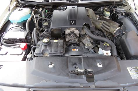 how do cars engines work 2009 lincoln town car engine control 2009 lincoln town car interior dash view manufacturer interior automotive news