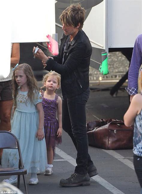 urban s keith urban s such a good dad cute country kids pinterest