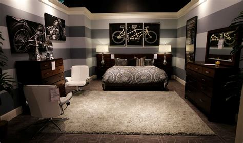 gallery furniture designer offers redecorating tips
