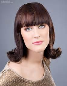 hairstylese com 60s flip hairstyle with an outward roll of the hair