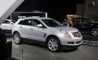 Cadillac Srx Reviews 2013 Car And Driver