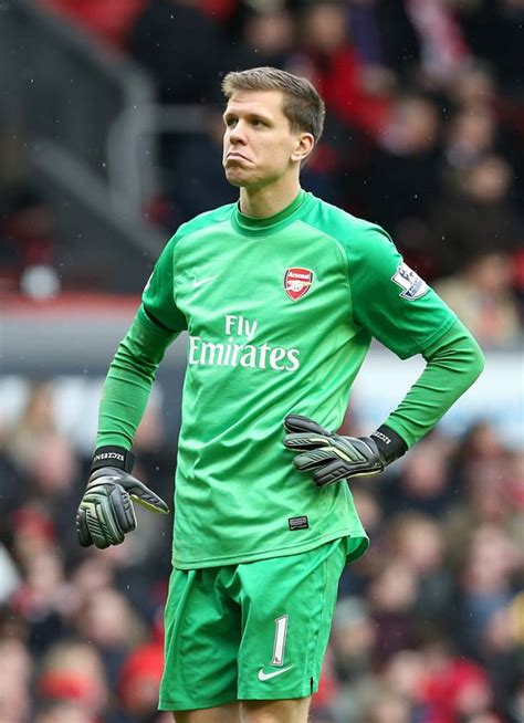 arsenal goalkeeper liverpool can t be ruled out of premier league title race