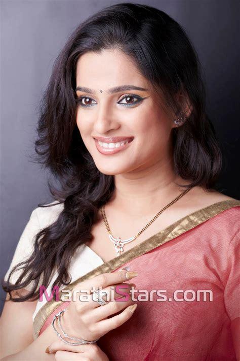 marathi film actress images priya bapat marathi actress photos biography wallpapers