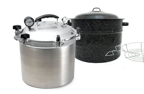 boiling water canner difference between water bath and pressure canning