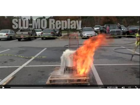 frozen turkey hot oil video never deep fry a frozen turkey for thanksgiving patch