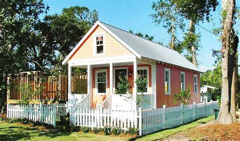 membuat rumah joglo membangun rumah dari bahan kayu kenapa tidak portal