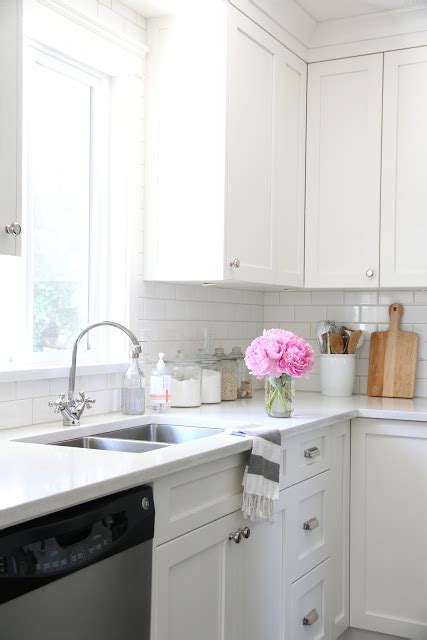 I M Dreaming Of A Not White Kitchen Domestiphobia | i m dreaming of a white kitchen open shelving too