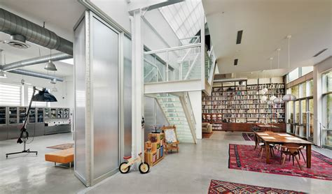 bwarchitects s artist loft juxtaposes a gritty brooklyn
