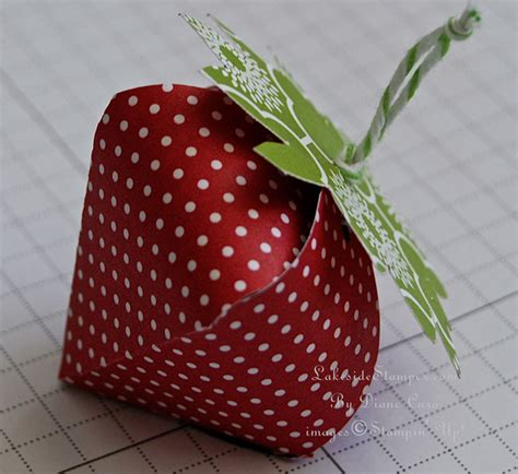 How To Make A Paper Strawberry - how to make a paper strawberry lakesidester