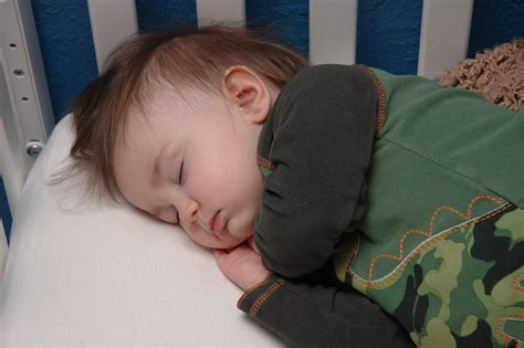 Transitioning From Co Sleeping To Crib by 6 Tips To Help Your Co Sleeping Baby Transitioning To His Own Bed