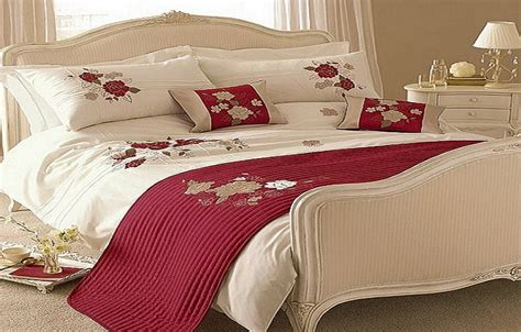 red and white comforters red and white comforter ideas homesfeed