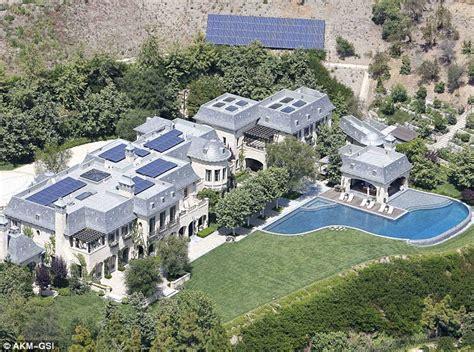 tom brady house brookline gisele bundchen and tom brady buy 14million new york