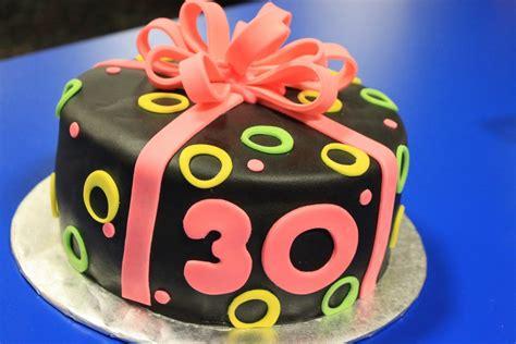Torte Für Geburtstag by Kuchen Zum 30 Geburtstag Vorlagen