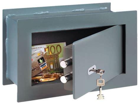 come aprire un armadio senza chiave cassaforte da muro serrature come scegliere una