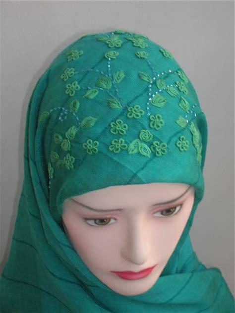 Jilbab Segi Empat Warna Hijau jilbab sulam segi empat radithshop