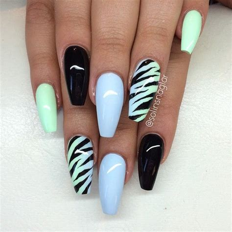 Nägel Gleichmäßig Lackieren 25 best ideas about zebra nails on zebra