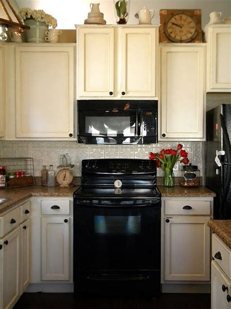 Behr Kitchen Cabinet Paint by Behr Swiss Coffee Paint With Quot Provincial Quot Stain Wiped On