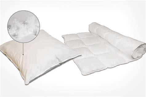 kissen und decken kissen und decken mit faserb 228 llchen franke matratzen