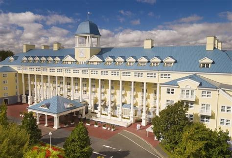 hotel disney s newport bay club em disneyland paris desde