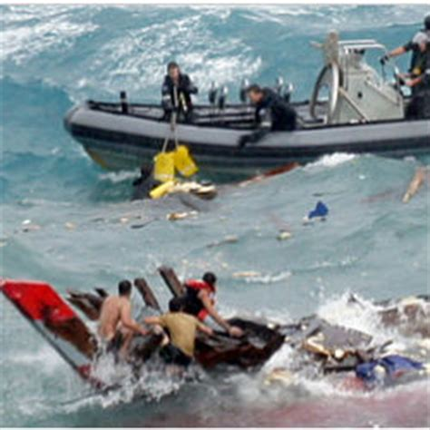 australia refugee boat disaster at least 27 people killed in australian refugee boat