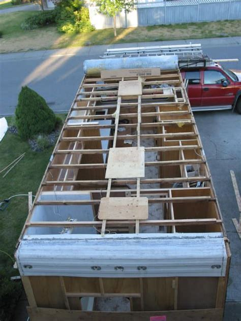 Travel Trailer Ceiling Repair by 25 Best Ideas About Rv Roof Repair On Rubber