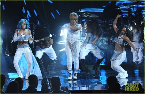 The Pathetic Story The Amas by Tlc Lil Perform Waterfalls At Amas 2013