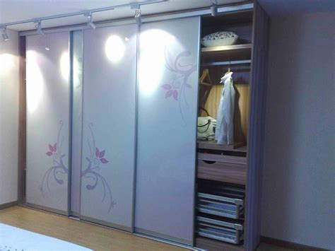 Wardrobe Cupboard Home Design The Advantages And Disadvantages Of Choosing