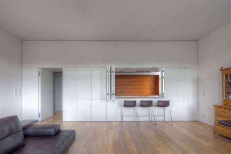 modernes möbeldesign für kleine wohnung weiss anthrazit grau mit violett wohnzimmer