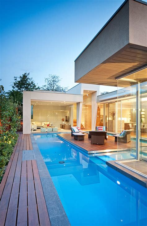 elegant modern home  integrated swimming pool australia