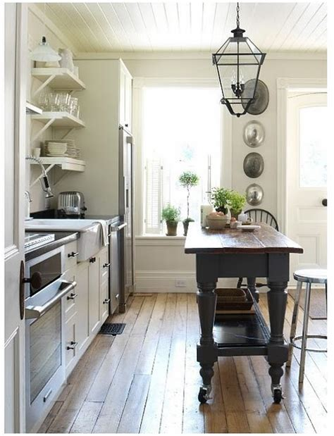 farmhouse island kitchen primitive colonial decorating farmhouse kitchen island