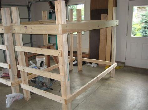 how to loft dorm bed 124 best images about dorm room ideas for guys on
