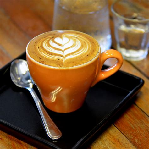 artistic coffee file latte art cappuccino jpg wikimedia commons