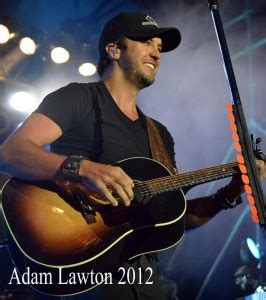 luke bryan gun control concert review quot tail gates and tan lines tour quot luke bryan