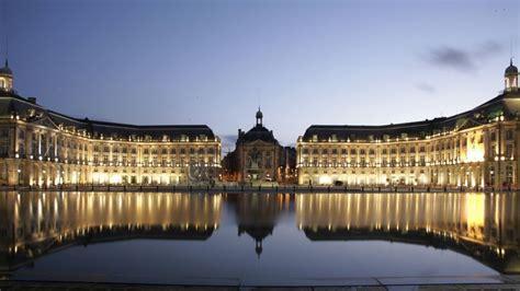Ces miroirs d?eau qui embellissent les villes françaises