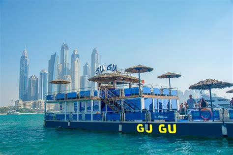 yacht rental dubai yacht rental dubai offers for throwing your own boat party