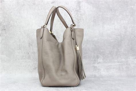J Gucci Soho Kas gucci grey leather soho medium hobo at s consignment