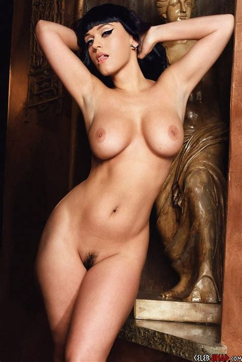 Katy Perry Pretends To Be A Nude Statue