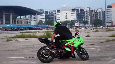 Blind Ninja Ninja 250 Sunday Funday Stunt Youtube